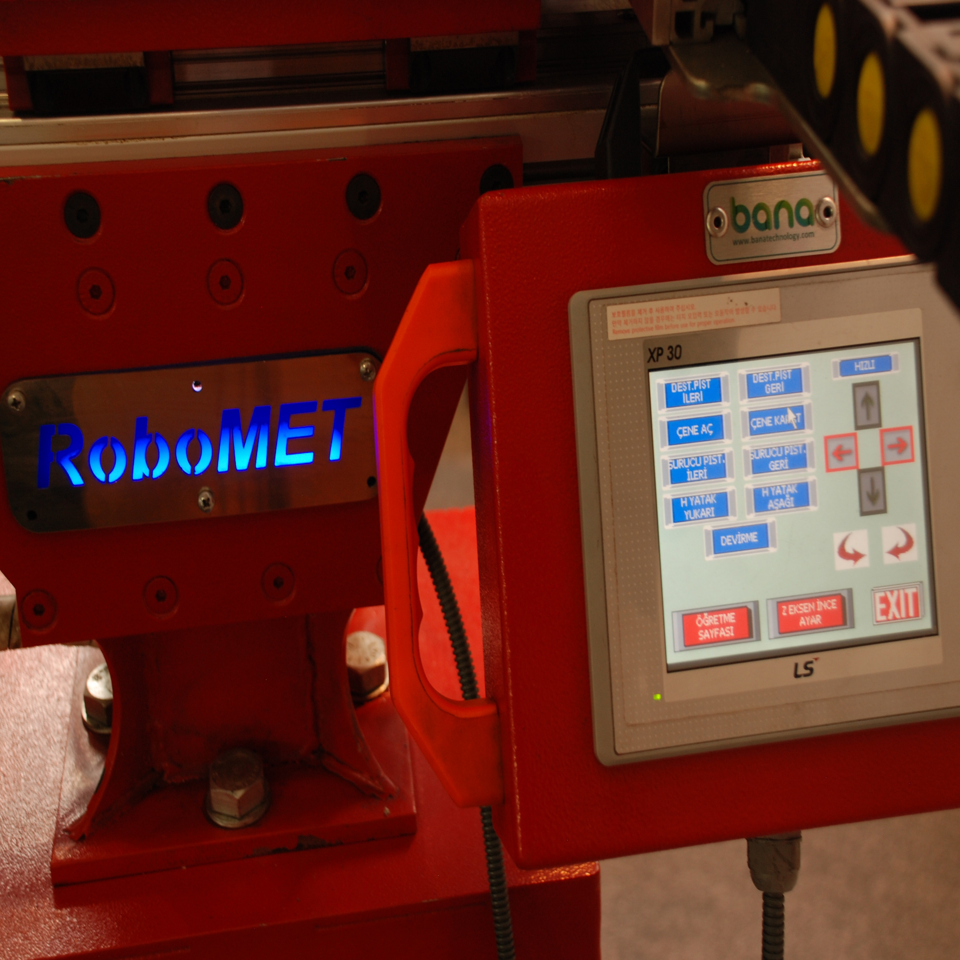 CNC Torna Besleme Robotları